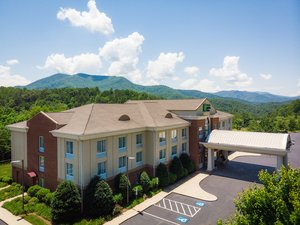 Holiday Inn Express Hotel & Suites Sylva