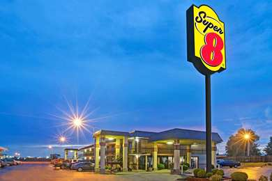 Super 8 Hotel Shawnee