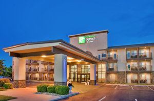 Holiday Inn Express Hotel & Suites MO 76 Central Branson