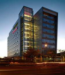 Hampton Inn & Suites Boston
