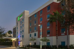 Holiday Inn Express Hotel & Suites Airport Fort Lauderdale