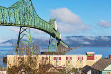Holiday Inn Express Hotel & Suites Astoria