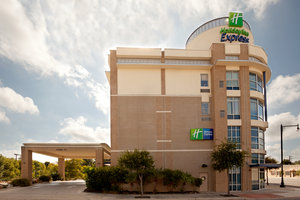 Holiday Inn Express Hotel & Suites San Antonio