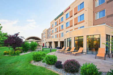 Courtyard by Marriott Hotel Northeast Louisville