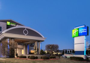 Holiday Inn Express Branford