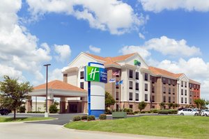 Holiday Inn Express Hotel & Suites Shawnee