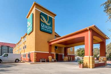 Quality Inn & Suites Bandera San Antonio
