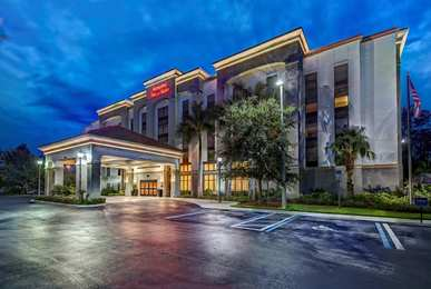 Hampton Inn & Suites Estero