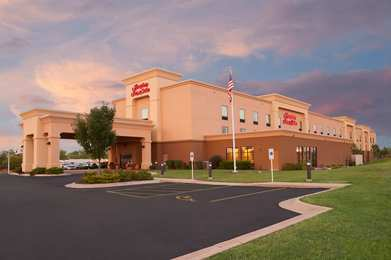 Hampton Inn & Suites Airport Moline
