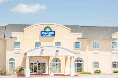 Days Inn & Suites Swainsboro