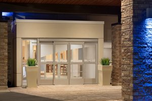 Comfort Suites Park Place Milwaukee