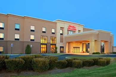 Hampton Inn & Suites Manchester