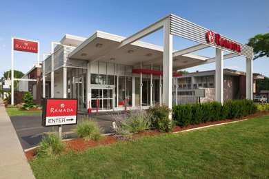 Ramada Inn & Suites Rockville Centre