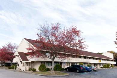 Super 8 Hotel Strongsville