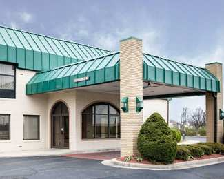 Quality Inn & Suites Speedway Indianapolis