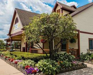 Econo Lodge & Suites Grand Rapids