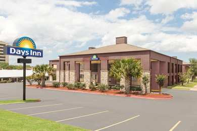 Executive Inn & Suites College Station