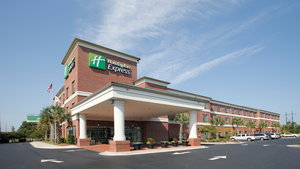 Holiday Inn Express Leland