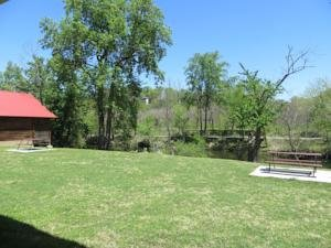 River Place Inn Condos & Cabins Pigeon Forge