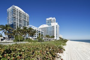 Carillon Hotel & Spa North Miami Beach