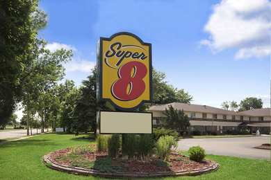 Super 8 Hotel Whitewater