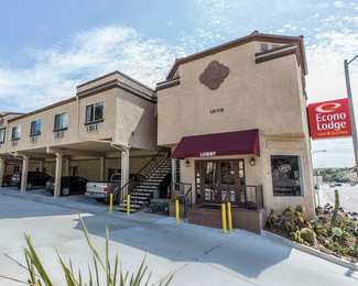 Econo Lodge Inn & Suites Fallbrook