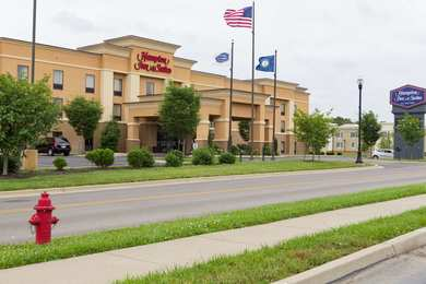 Hampton Inn & Suites Radcliff