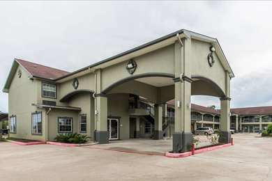 Econo Lodge Inn & Suites Bridge City