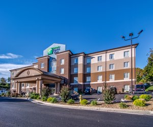 Holiday Inn Express Hotel & Suites Wytheville