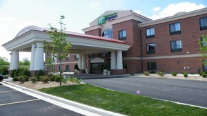 Holiday Inn Express Dimondale