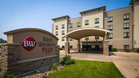 Best Western Plus Williston Inn