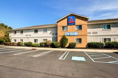 Studio 6 Extended Stay Hotel East Brunswick