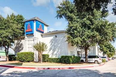 Studio 6 Extended Stay Hotel South Arlington