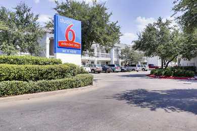 Studio 6 Extended Stay Hotel Spring Houston