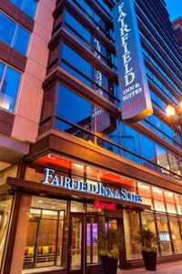 Fairfield Inn & Suites by Marriott Downtown River Chicago
