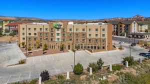 Holiday Inn Express Hotel & Suites East Gallup