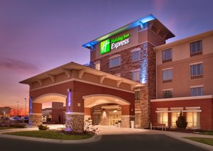Holiday Inn Express Hotel & Suites Overland Park