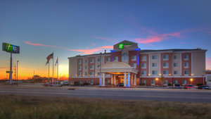 Holiday Inn Express Hotel & Suites Elk City