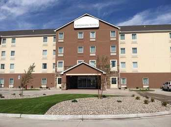 Landmark Suites Williston
