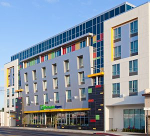 Holiday Inn Express Hotel & Suites North Hollywood