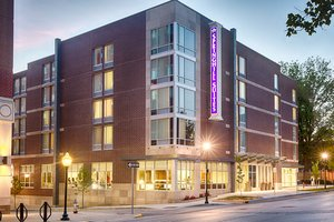 SpringHill Suites by Marriott Downtown Bloomington