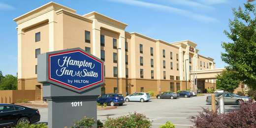 Hampton Inn & Suites Seneca