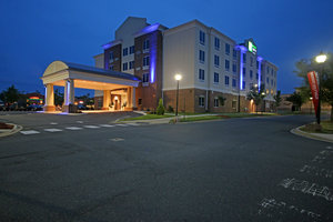 Holiday Inn Express Hotel & Suites North Charlotte