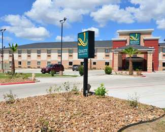 Quality Inn & Suites Kenedy