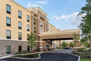 Hampton Inn & Suites North Wales