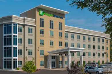 Holiday Inn Express Hotel & Suites Norwood