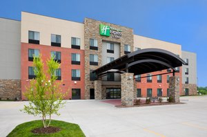 Holiday Inn Express Hotel & Suites North Davenport
