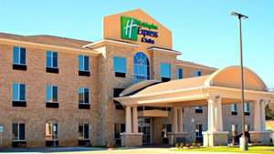Holiday Inn Express Hotel & Suites Bonham