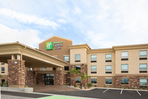 Holiday Inn Express Hotel & Suites Pahrump