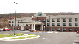 Holiday Inn Express Hotel & Suites LaVale
